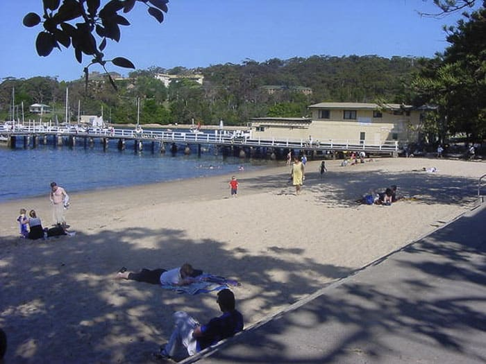 Balmoral baths on a winters dayw ith kids in water