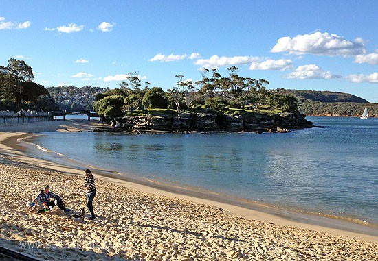 Balmoral beach image looking to the island