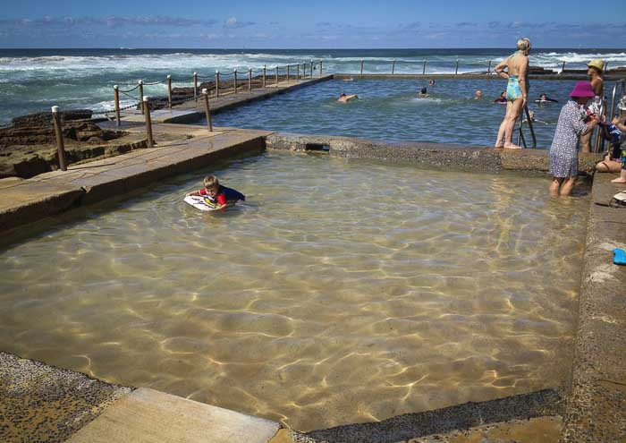 Avalon beach kids rock pool