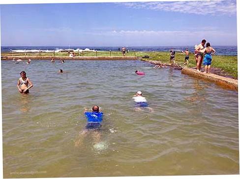 Mona Vale beachrock pool WS