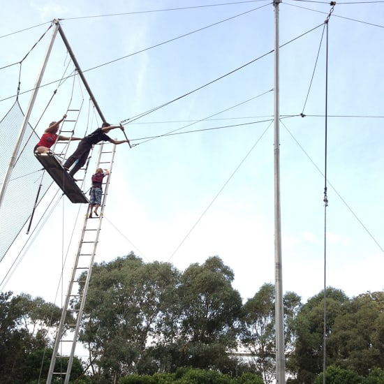 FLYING TRAPEZE-11