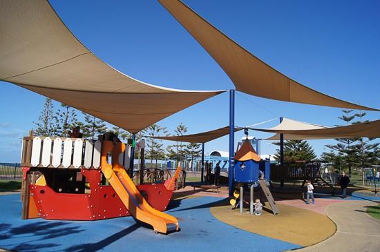 Maroubra playground beach skate park
