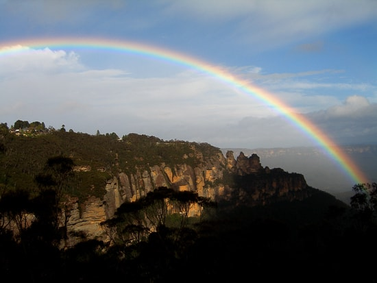 scenic world blue mountains rides rainbow over three sisters