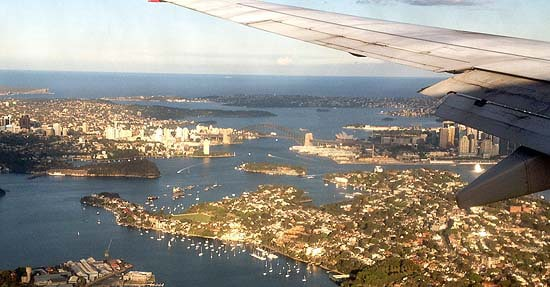 flying into Sydney past Harbour Bridge