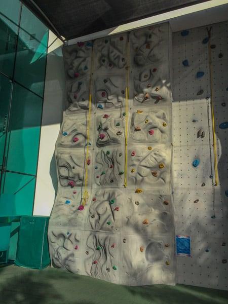 jumeirah beach hotel kids club the hub climbing wall