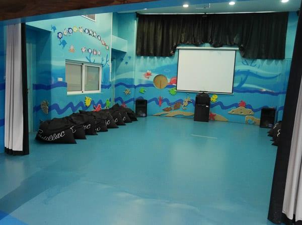 jumeirah beach hotel kids club sinbads