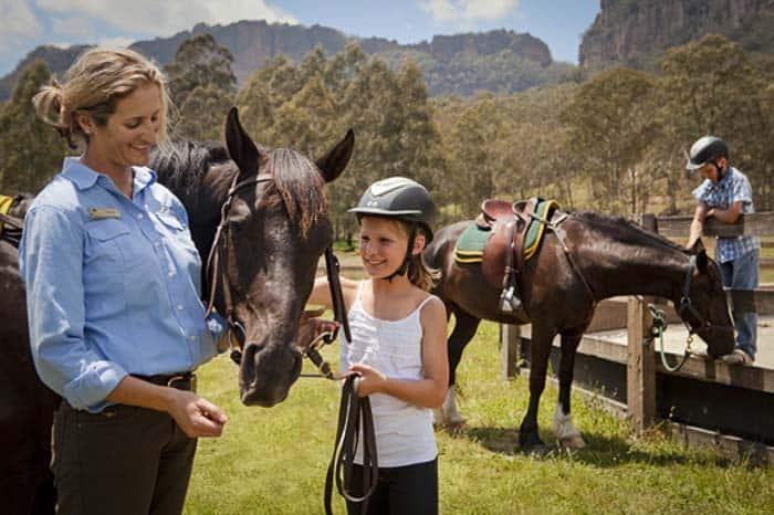 kids-horses_025ret_1