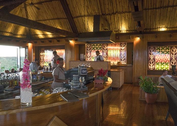 Outrigger Fiji Kalokalo lounge