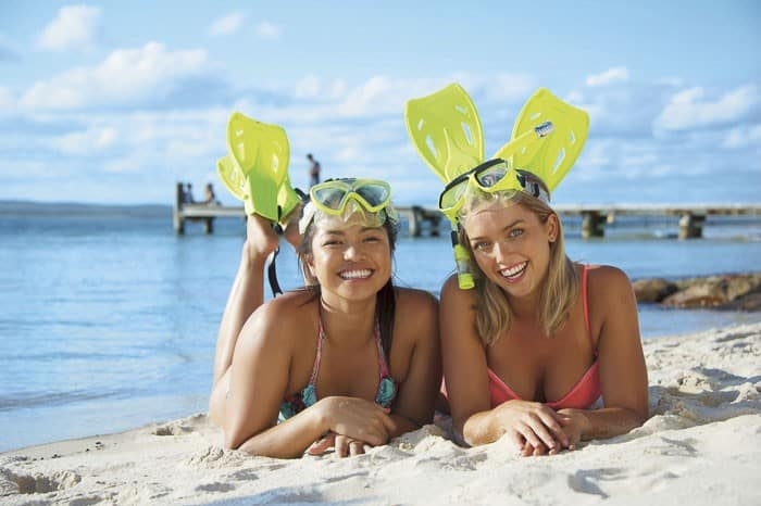 11. girls snorkelling