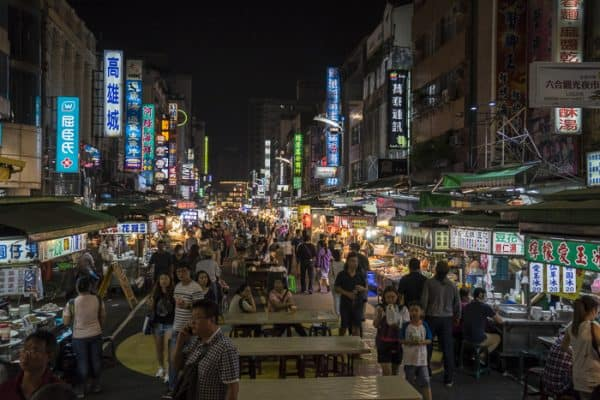 night-market-taiwan-700