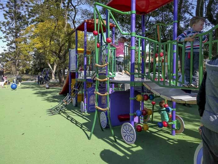 beecroft-train-stations-gardens-playground