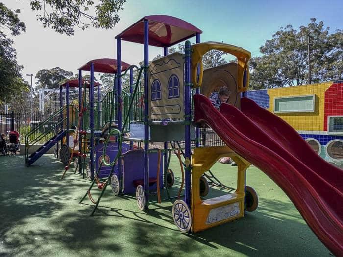 beecroft-train-stations-gardens-playground_3