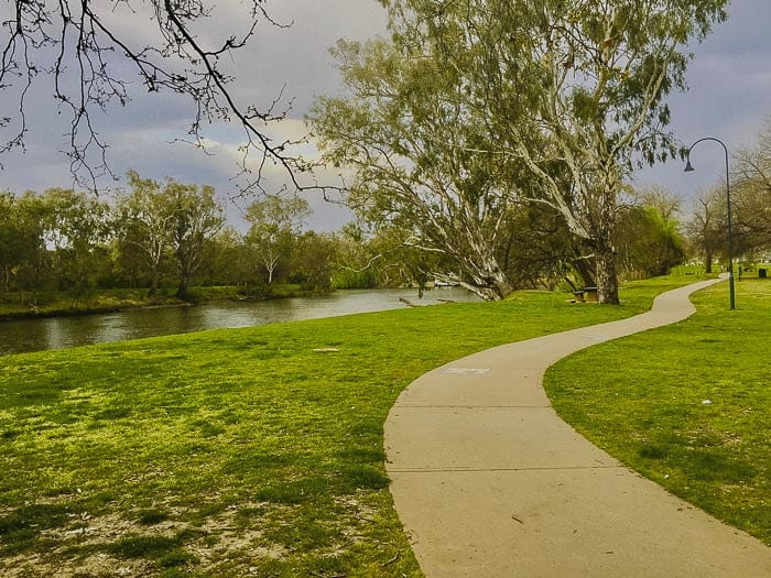 things to do in Albury walking by the river image