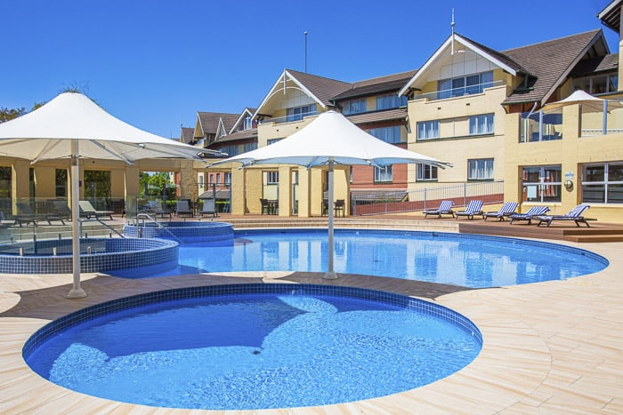 fairmont resort and spa blue mountains outdoor pools