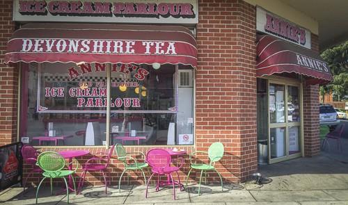 Annie's Ice Cream Parlour in Bathurst exterior