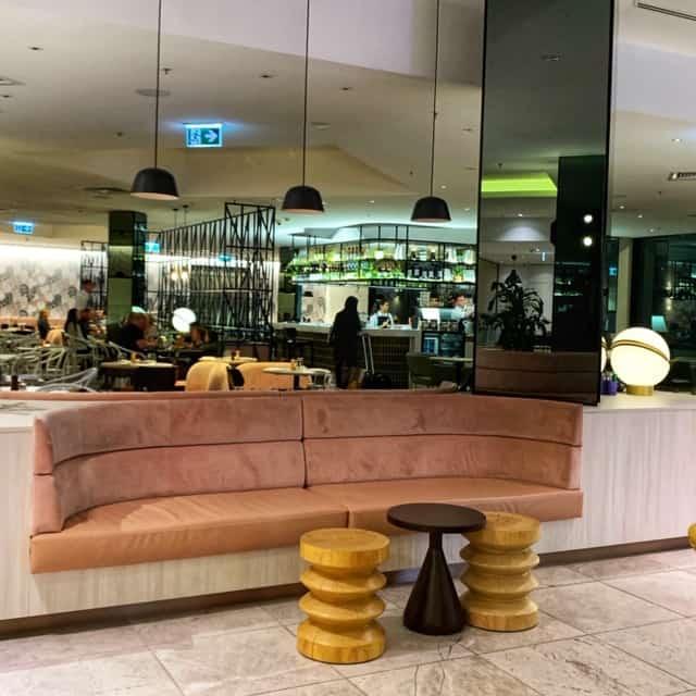 Novotel sydney airport lobby