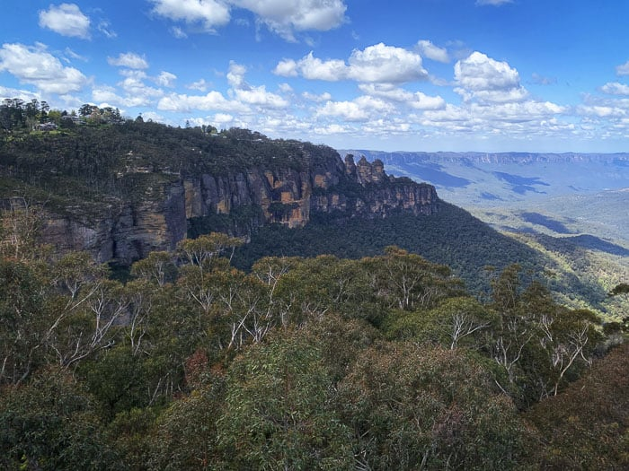 three sisters seen from scenic world blue mountains rides